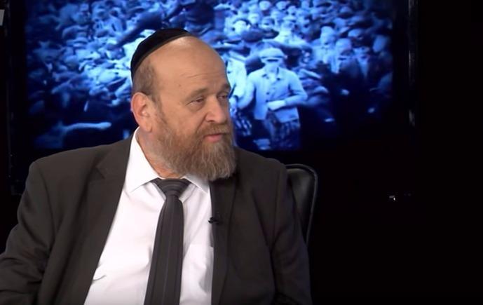 """רק הש""""ס נותר: העיתונאי יצחק נחשוני בסיפור מרגש ליום השואה"""