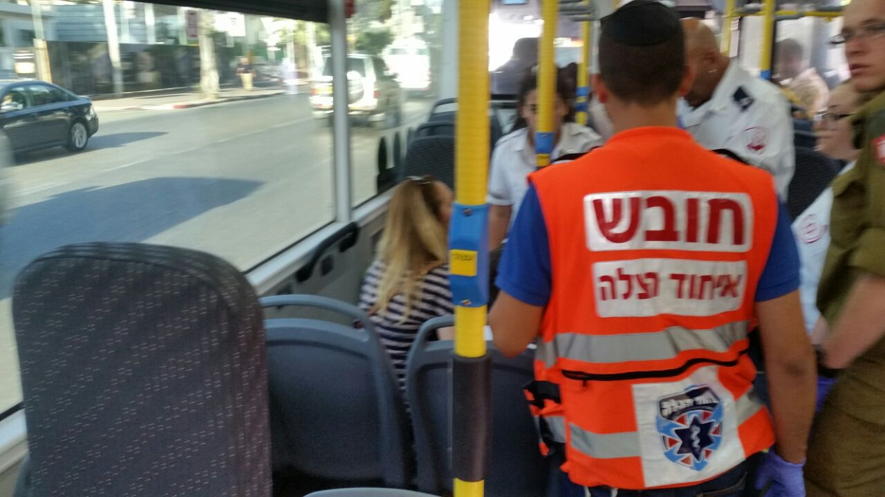 אוטובוס  - בלימה פתאומית - פתח תקווה