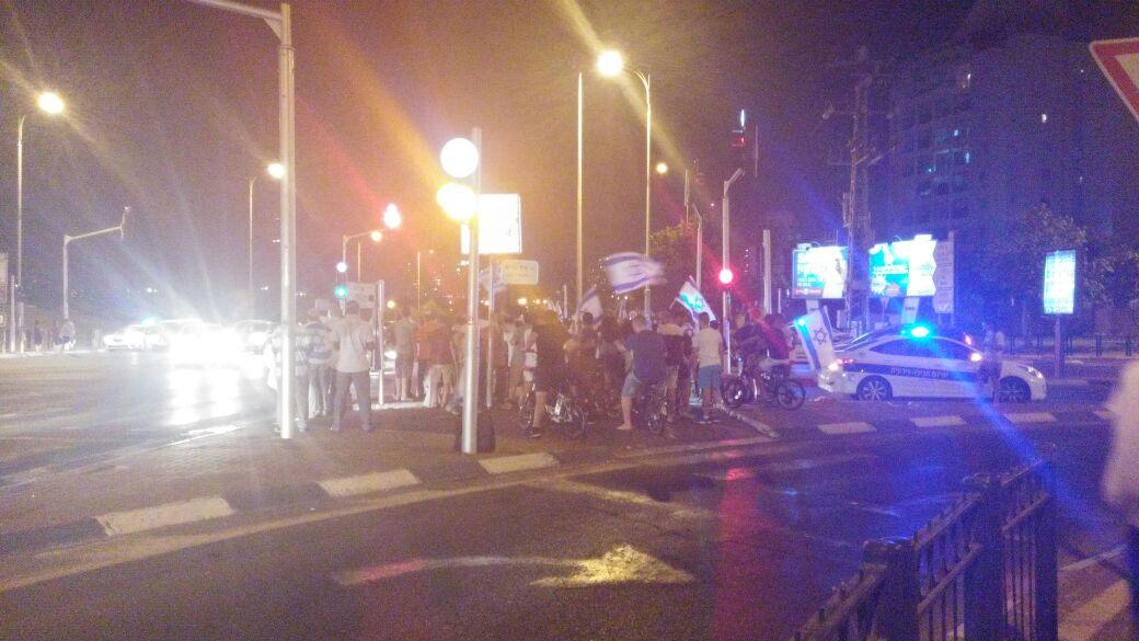 פתח תקווה - הפגנה בצומת סירקין בעקבות גל הטרור (5)