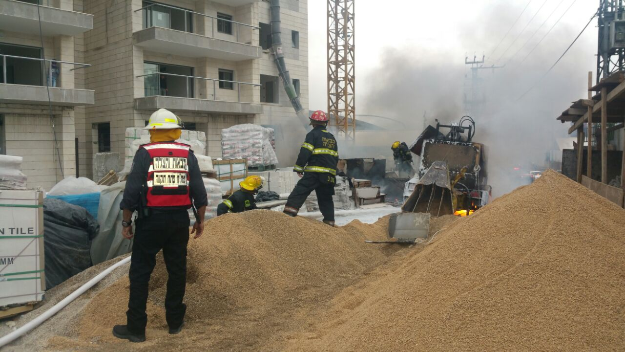 שריפה ברחוב גיסין פתח תקווה