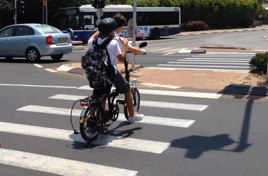 המספרים נחשפים: כמה נפגעו בתאונת אופניים חשמליים בפתח תקווה?