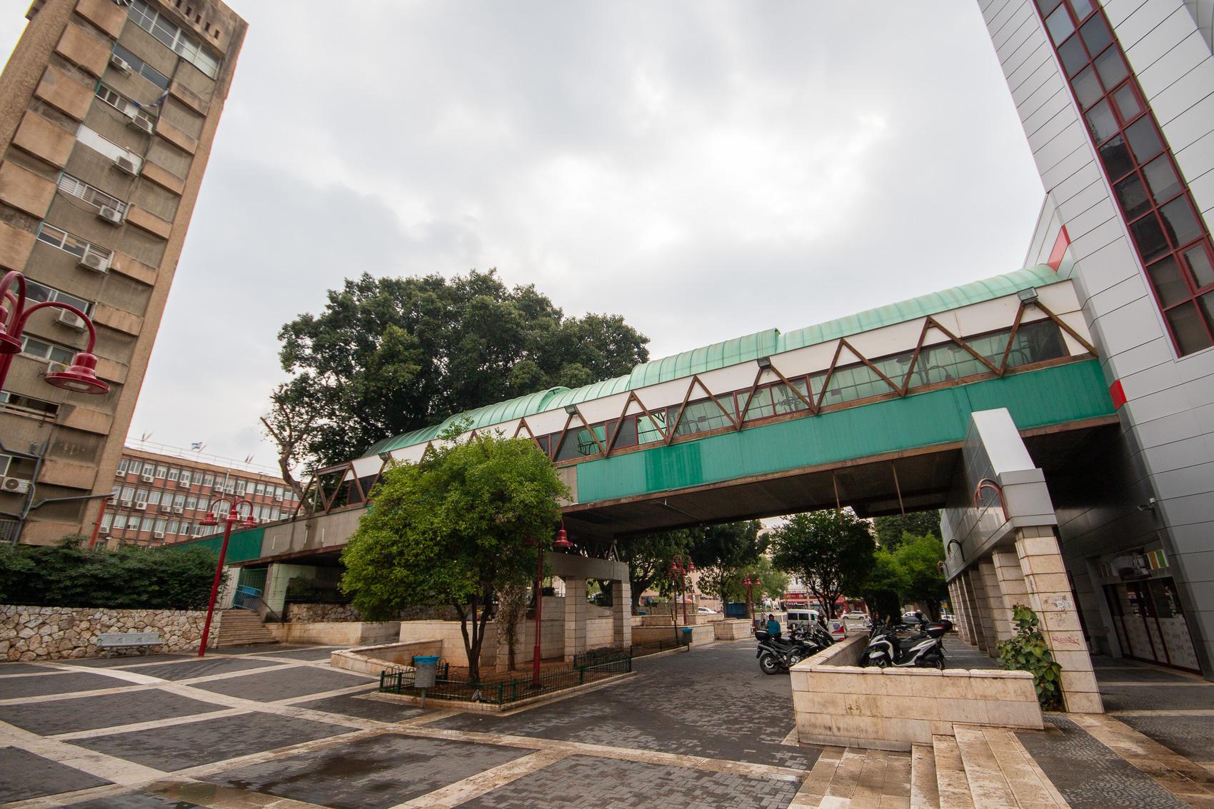 גשר שפיגל הסמוך לעיריית פתח תקווה יהרס
