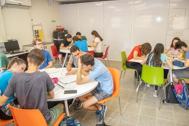 עיריית פתח תקווה תקדם תכנית ייחודית בנושא החינוך הפיננסי