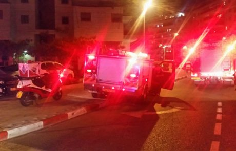 """שריפה ברחוב חובבי ציון בפ""""ת: דייר קפץ בניסיון להימלט ונפצע ברגלו"""