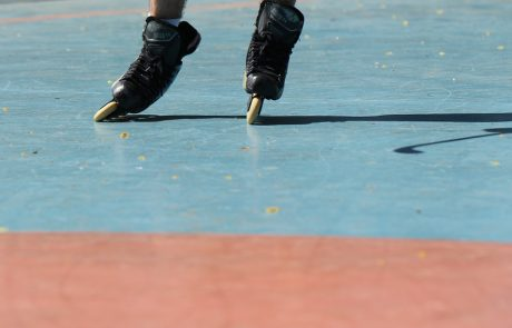 """מועצת העיר פ""""ת אישרה: מגרש הוקי גלגליות חדש, חדר כושר בבריכת מינץ ומגרש טניס במרכז העיר"""