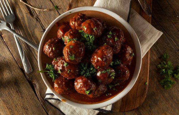 קציצות בשר עסיסיות ברוטב עגבניות