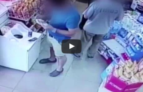 תיעוד: גנבו הוברבורד ומכונות קפה מחנות בפתח תקווה