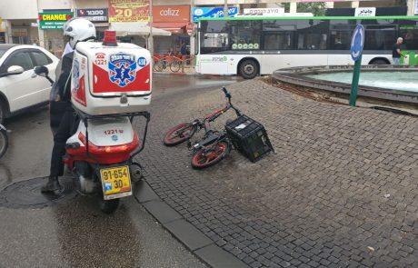 """רוכב אופניים חשמליים נפגע מפגיעת רכב ברחוב חיים עוזר פ""""ת"""