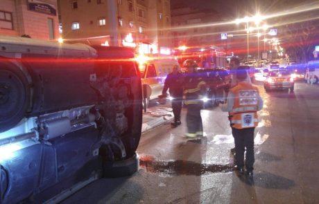 ערב של תאונות דרכים בפתח תקווה: נהג התהפך עם רכבו ברחוב לוחמי הגטו