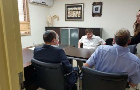 """המו""""מ הקואליציוני: השר בנט נפגש עם ראש העיר רמי גרינברג"""