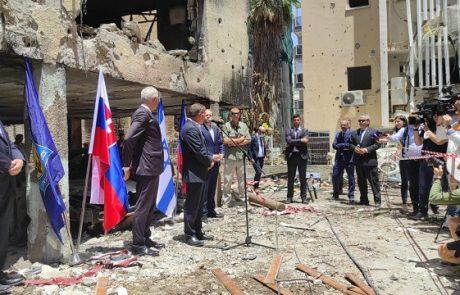 שרי החוץ של גרמניה, צ'כיה וסלובקיה ביקרו במקום נפילת הטיל בפתח תקווה