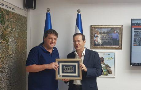 עיריית פתח תקווה מחזקת את הקשר עם הסוכנות היהודית ועם יהדות התפוצות