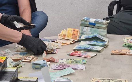 המשטרה עצרה חשוד בניהול הימורים בפתח תקווה