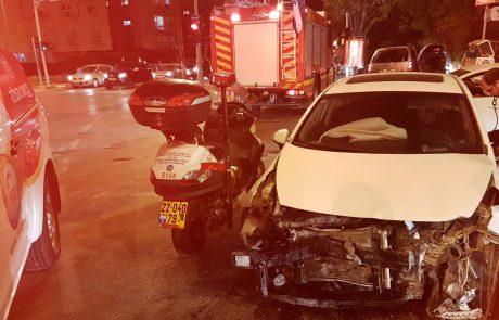 """ארבעה נפגעו בתאונת דרכים ברחוב רוטשילד פינת פינס בפ""""ת"""