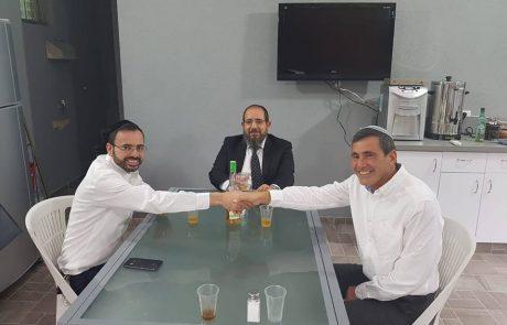"""שבת אחים גם יחד: בכירי ש""""ס ו'הבית היהודי' בפ""""ת נפגשו"""
