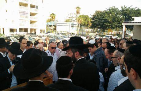 """בדרכו האחרונה: מאות תושבי פ""""ת השתתפו בהלווית ר' יואל אנסבכר ז""""ל"""