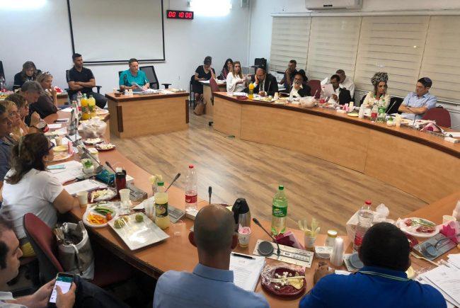 צפו: ישיבת מועצת העיר ה – 13 של עיריית פתח תקווה