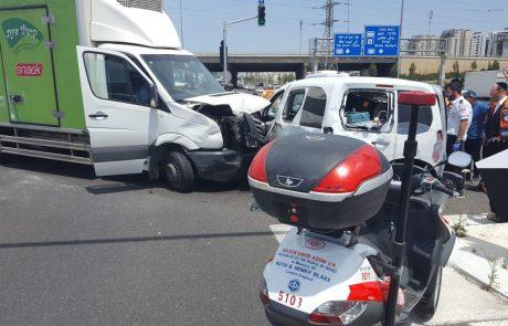 4 פצועים בתאונת דרכים בין שתי משאיות בצומת שעריה