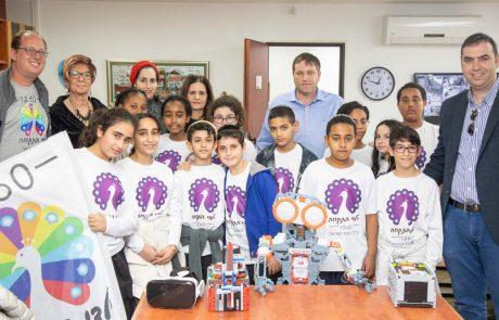 """נבחרת ה-FLL רובוטיקה של בית החינוך חמ""""ד תורני נצח ישראל נפגשה עם ראש העיר"""