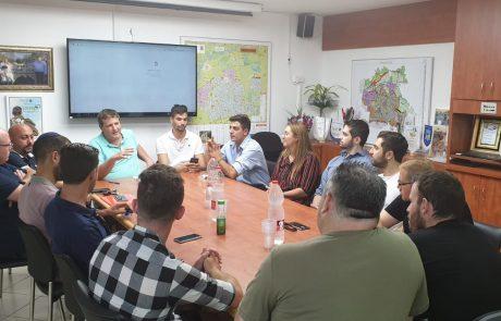 """ראש העיר רמי גרינברג לנציגי הסטודנטים """"אפעל לקידומם ולקידום פעילות סטודנטיאלית צעירה וענפה בעיר"""""""