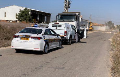 שתי משאיות ביומיים: עיריית פתח תקווה מתגברת את האכיפה באזורים הפתוחים