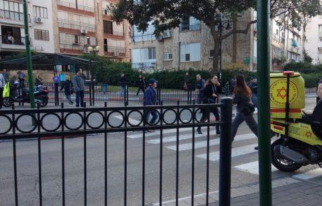 פיגוע ירי ודקירה בלב פתח תקווה: שמונה פצועים פונו לבית החולים