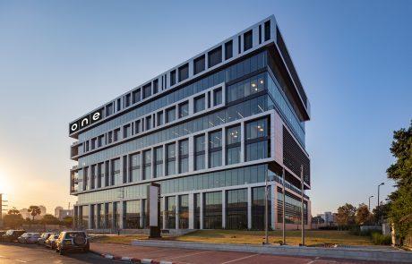 חברת ONE טכנולוגיות עוברת למשרדים מרווחים וחדישים בפתח תקווה