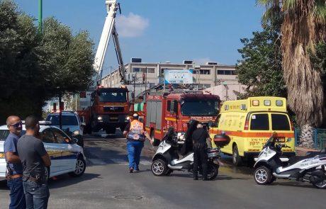 """שריפה פרצה ברחוב הסיבים בפ""""ת, עובדי ECI התפנו בשל ריח עשן"""
