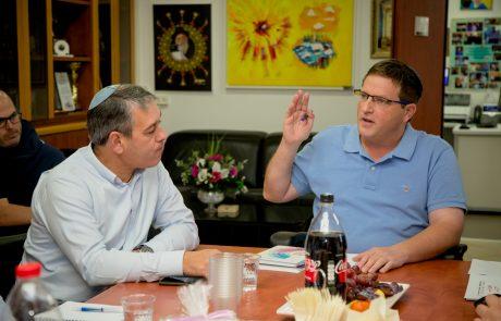 """ראש העיר נפגש עם מנכ""""ל משרד הכלכלה"""